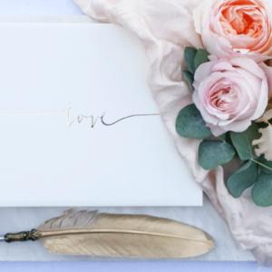 Klassiek gastenboek bruiloft gastenboeken love